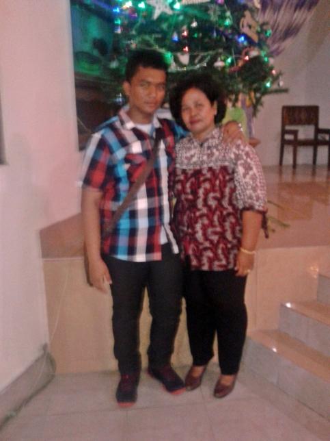 My Brother and Mother :* Mereka satu-satunya duniaku sekaran ini.