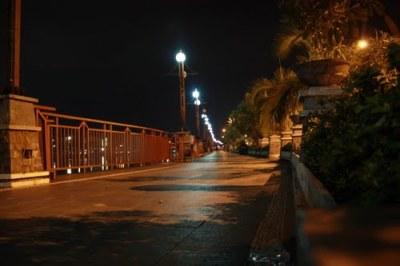 Kalau malam-malam biasa siring lumayan sepi sih :)