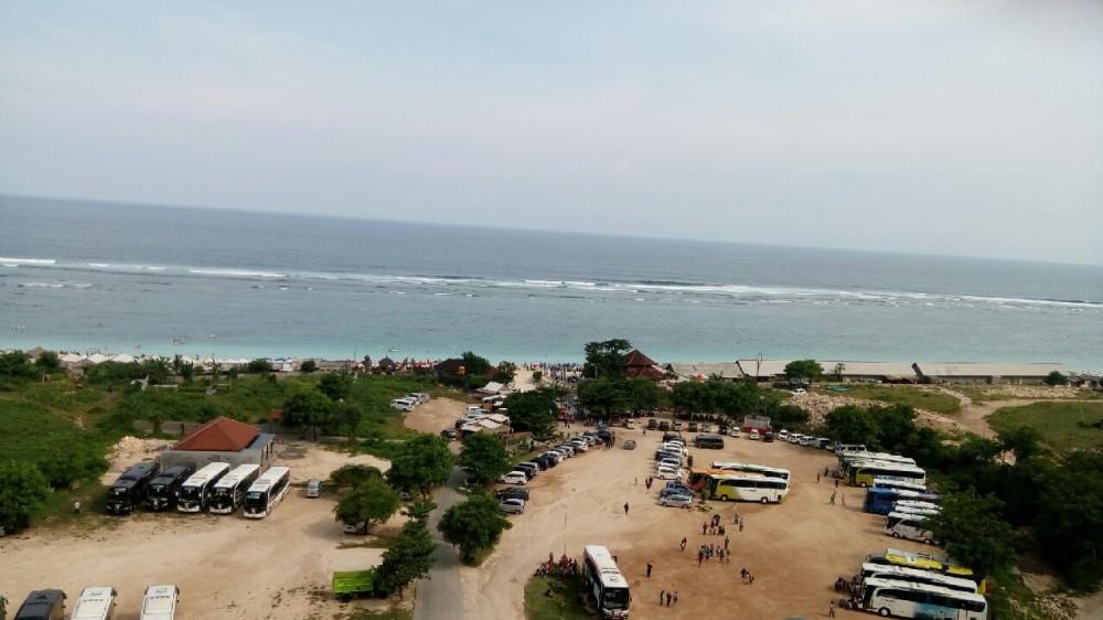 Pantai Pandawa dari atas